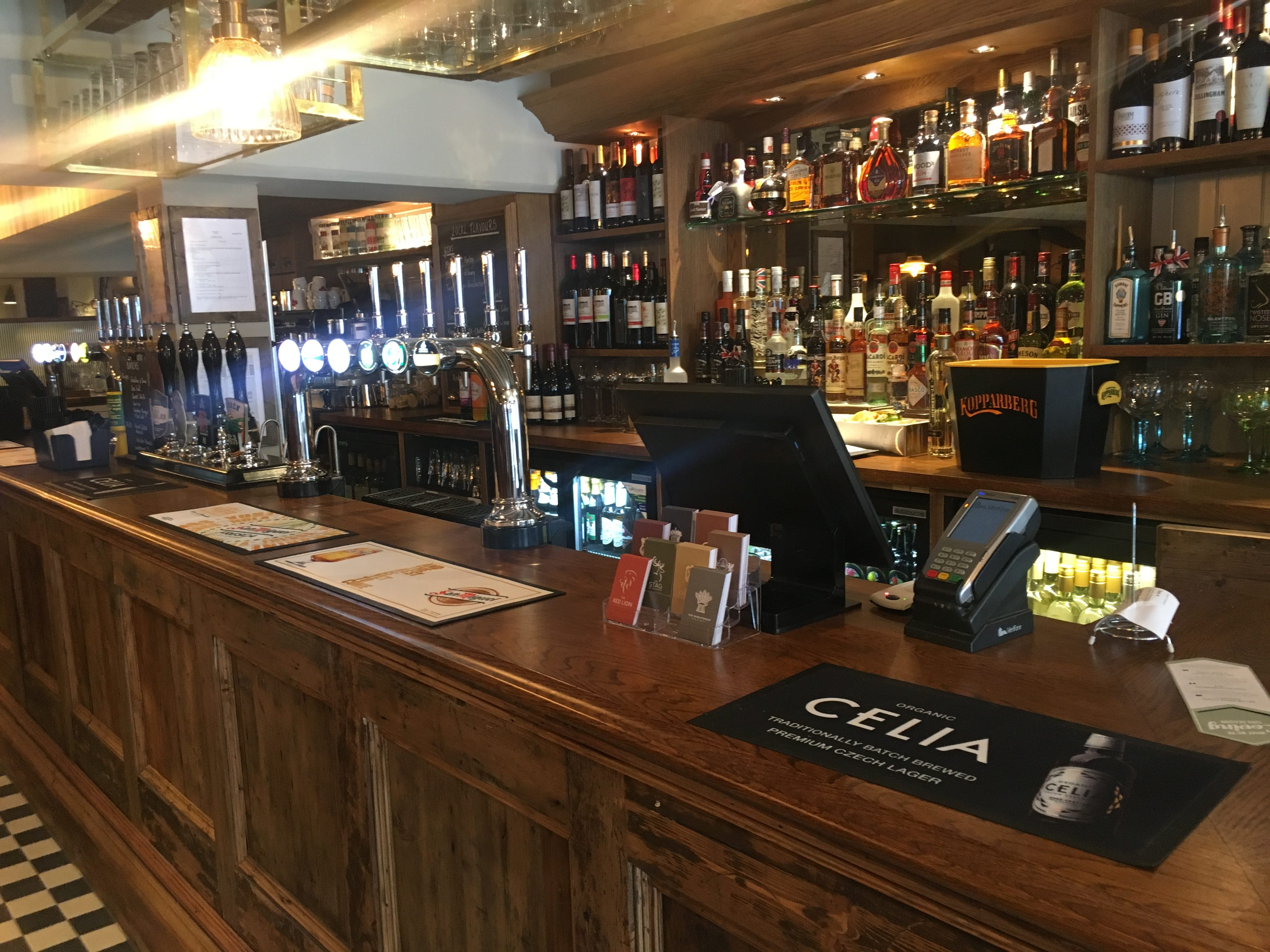 Picture of the bar in the Red Lion, Odiham